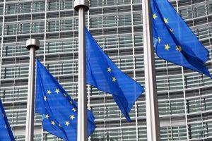 Imagen de banderas de la UE.