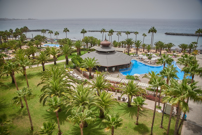 Jardines de un establecimiento hotelero de Tenerife.